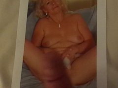 Sexy GILF with Inviting Pussy Cum Tribute