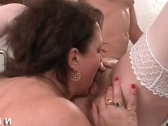 FFM BBW French mature anal plug blocked in her ass