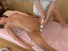 Slim chick ero massage cum shot in vagina