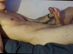 Hung Guy Cums