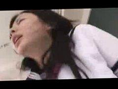 Japanese Schoolgirl gets Creampie -unsencored-