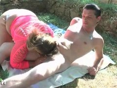 BBW French squirt woman anal fucked outdoor