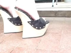 8 in wedges