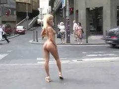 Cynthia Paul nude in public,