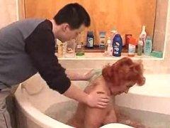 ich helf meiner Oma im Bad