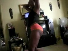 Black chick shaking booty