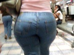 Big Butt BBW Milf at Mall - 6