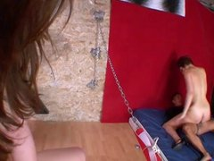 Tiffany Doll celebre French Pornstar teste la fuck machine.