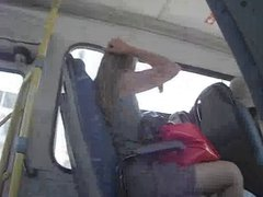 loira flashing in bus