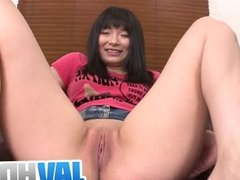 Cutie Hina Maeda Gets Her Pussy Shaved Bare