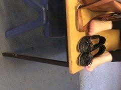 bare feet in schhol