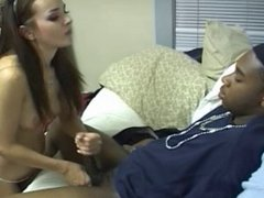 COLLEGE INVASION HANDJOB N. 2