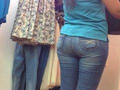 Mexicana-Culo gordo comprando ropa