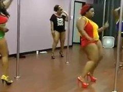 BBW POLL DANCE
