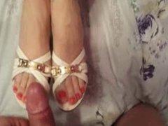 piedi (po stopalima)