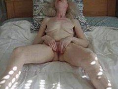 Amateur old lady masturbation