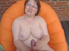 Granny receive semen in her body