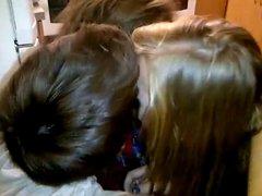 Kissing girls 337