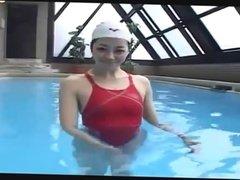 big booty japanese swim lesson