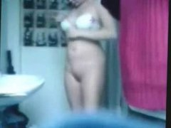 Nude moms and sisters spied by nasty boys