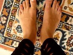 feet naked and leggings