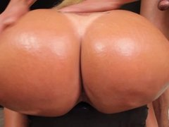 Amazing big ass of shemale gets a huge dick