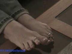 Amy's Toe Easer