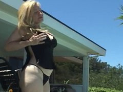 MILF says YES to poolside fuck