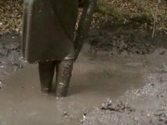 mud dress 22