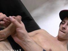 Skater Boy Gets Handjob - Cumshot