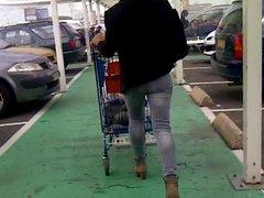 joli cul au supermarche
