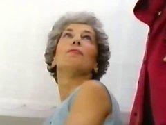 70 Jahr - graues Haar