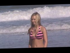 candid beach blonde teen spy jiggly tits 18