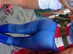 Big booty Latina in blue tights