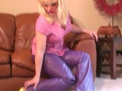 Hot MILF Cougar Solo in Leather Pants and Highheels