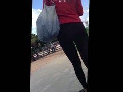 SEE THRU LEGGINGS TEEN ASS (MY FIRST VID)