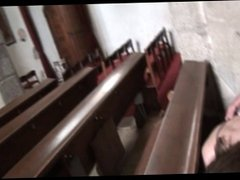 Amateur German Couple enters in Church for a Blowjob