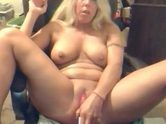 Blonde Milf fucks spread pussy with vibe till she cums