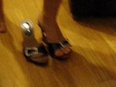 sborra hill job cum shoes piedi mulesjob sperm feet