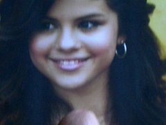 Selena Gets Covered