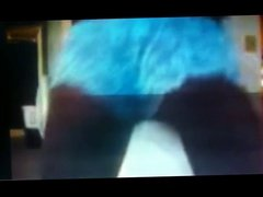 Anivlis F. twerking in her blue thong