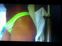 Anivlis F talking, twerking and touching herself