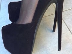 Black high heels 2