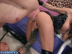 Femdom Gia Dimarco licked during ffm