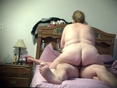 bbw wife wrapping her pussy lips around my cock & fucking me