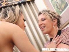 Sara Jay and Carmen Valentina eat pussy!
