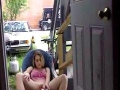 Amateur Trash Fucks Herself Outside