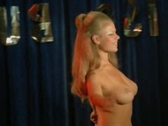 Frauen (1980) - Scene 1 Boobs contest