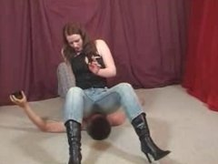 jeans facesit mistress smoking over her sub