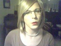 Blonde Smoker Kittie